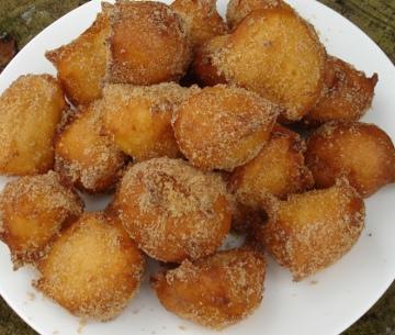 Quarkbällchen mit Kuchenmehl